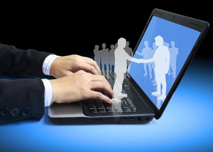 Quên Gửi Thư Bằng Email Doanh Nghiệp, Nhân Viên Của Bạn Đang Tự Hạ Uy Tín Công Ty Như Thế Nào?