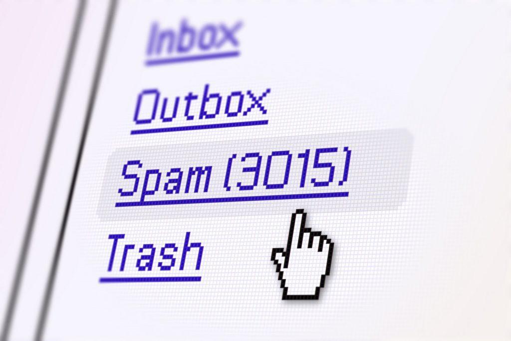 Nếu lựa chọn địa chỉ đăng kíemail doanh nghiệpthiếu uy tín, email của bạn có thể bị tấn công bất cứ lúc nào