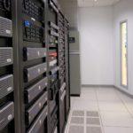 Khách hàng có thể tự do mang thiết bị ra vào Data Center không?