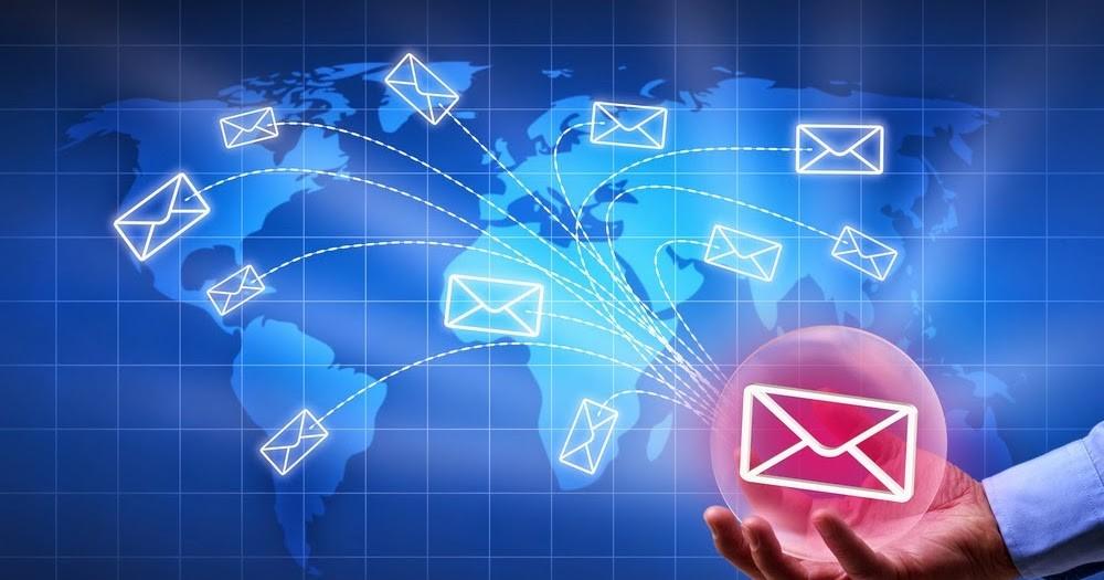 Sau khi đăng ký email tên miền, doanh nghiệp có toàn quyền quản trị email?